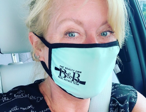 Gorgeous in teal. Masks are now mandatory so might as well look fabulous in a B&B face covering.